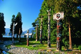 Canada Holidays - Stanley Park Totem Poles
