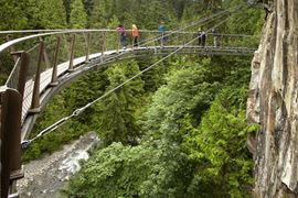 Canada Holidays - Capilano Cliff Walk, Skywalk bridge