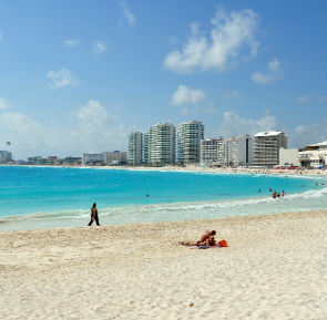 Chill Out in Cancun with Barrhead Travel