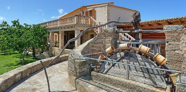 Bed Villa And Flight Majorca